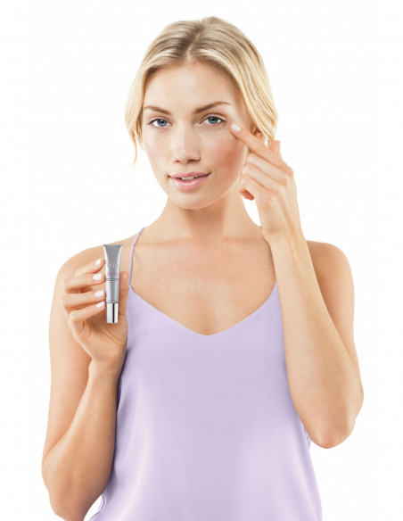 TRIA Eye Wrinkle Model_Demo Eye Cream.jpg